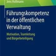 buch_cover_fuehrungskompetenz_in_der_oeffentlichen_verwaltung-medplus-jens-hollmann
